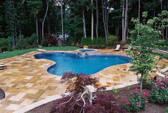 Spectacular Pool In Warren