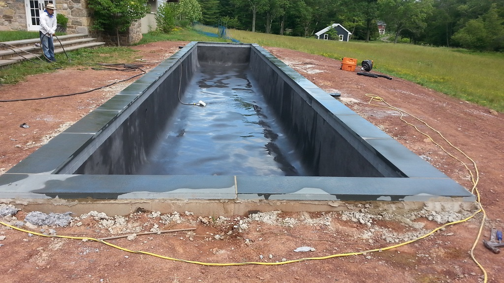 concrete-pool-in-the-making