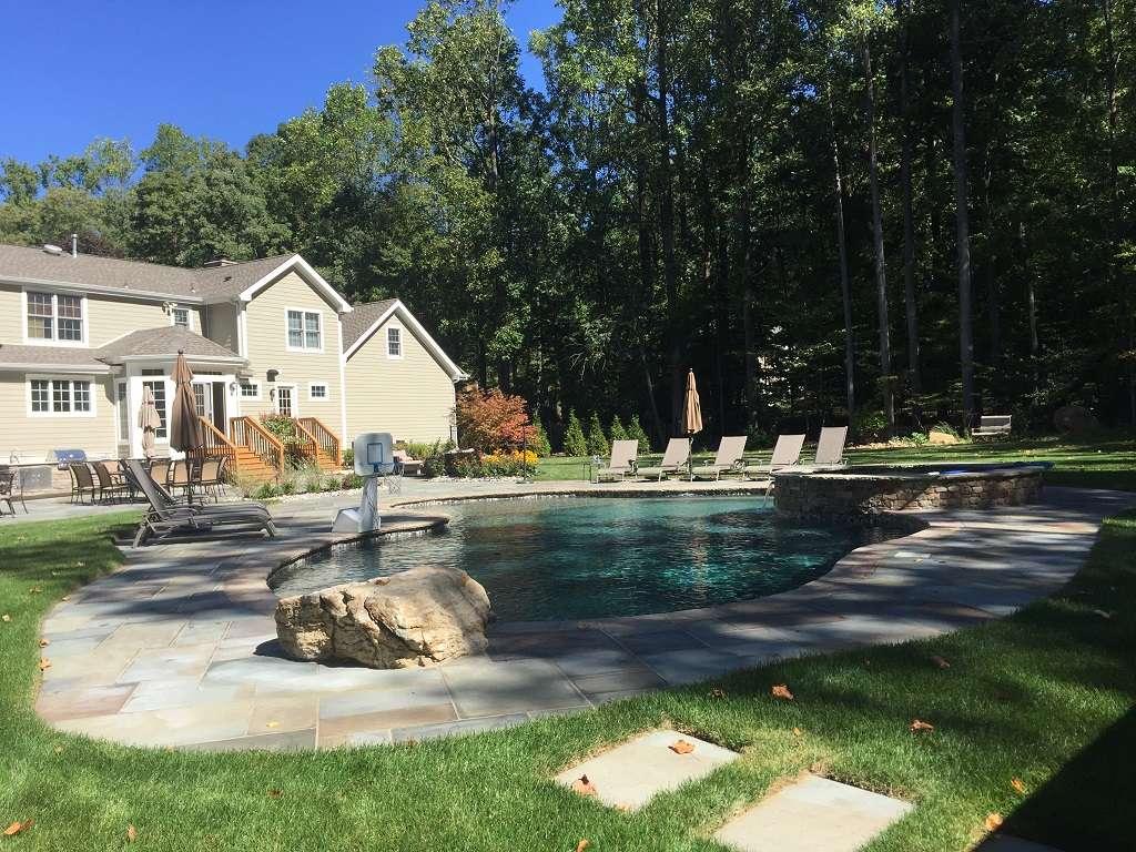 levco-pools-making-backyard-drems-reality
